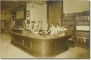 Goodman-Library-1912-300x198DESK